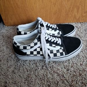 Old Skool checkered Vans